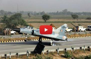 mirage-landing-on-yamuna-expressway