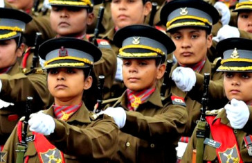 11 Awesome Pictures Of Army/Navy/Airforce Women Officers Contingent Will Give You Goosebumps