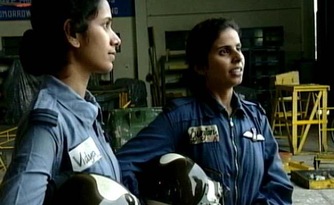 Flt Lts Gunjan Saxena And Srividya Rajan