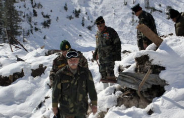 Army Officer and a Soldier Among 9 Killed in Avalanches in Kashmir Valley