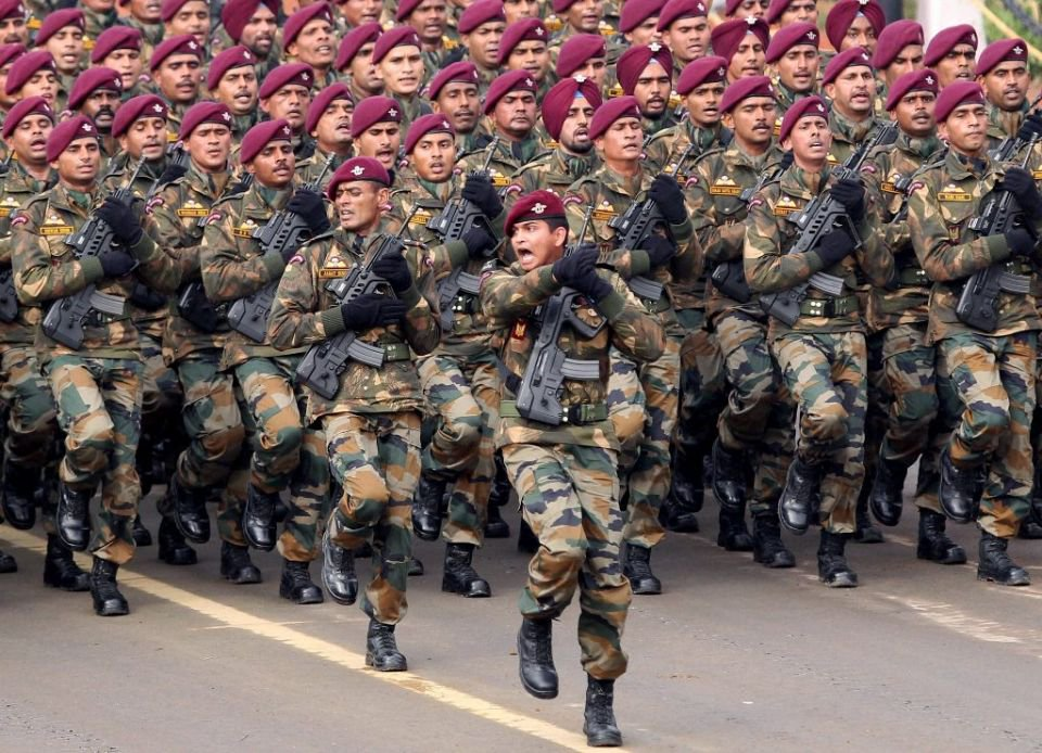 para commando march