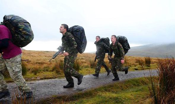 UKs Special Air Services Required 64 km Run in 20 Hours