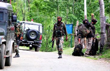 Indian Army Lost One Colonel, One major, Two Army jawans In Handwara Ops